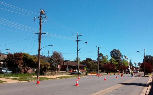 Image of Power lines in Australia thanks to Bidgee (CC BY-SA 3.0)